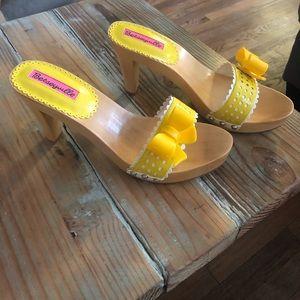 Betsey Johnson Betseyville Vega Sandal Yellow